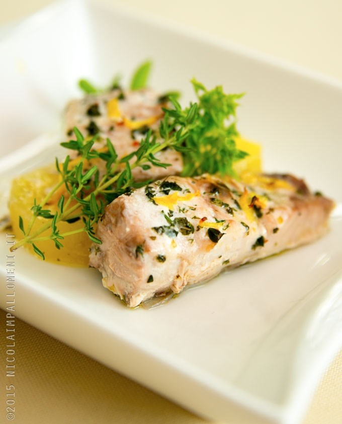 Ricetta trancetti di ricciola al forno con erbe aromatiche for Cucina italiana pesce